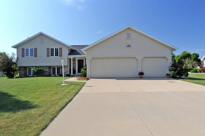 Appleton Single Family Home Active-Offer W/O Bump: W5943 Sweet Clover