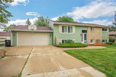 Menasha Single Family Home Active-Offer W/O Bump: 1167 Stead