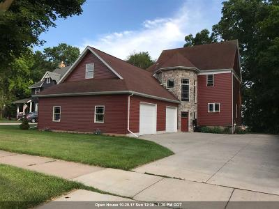 Kaukauna Single Family Home For Sale: 611 W Wisconsin