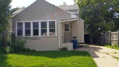 Menasha Single Family Home Active-No Offer: 361 Nassau