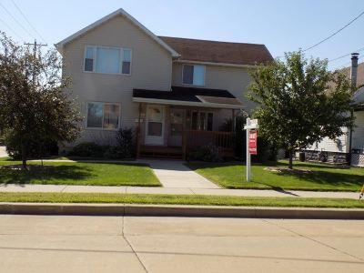 Kaukauna Multi Family Home Active-No Offer: 822 Grignon