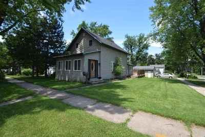 Kaukauna Single Family Home Active-No Offer: 302 Whitney