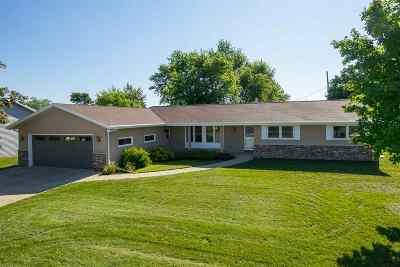 Kaukauna Single Family Home Active-Offer W/O Bump: 3050 Main
