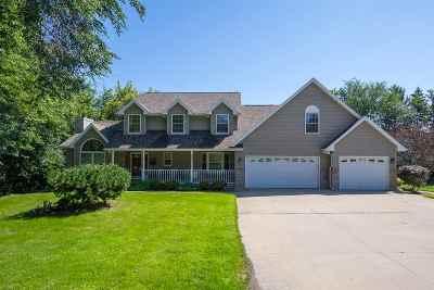 Oshkosh Single Family Home Active-Offer W/O Bump: 2162 Carlton