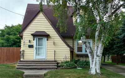 Menasha Single Family Home Active-No Offer: 92 Lock