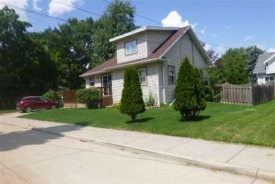 Oshkosh Single Family Home Active-No Offer: 1358 Babbitz