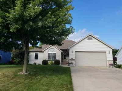 Neenah Single Family Home Active-Offer W/O Bump: 2226 Deer Prairie