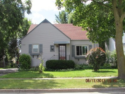 Menasha Single Family Home For Sale: 813 Jefferson