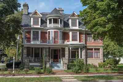 Appleton Single Family Home Active-No Offer: 402 E North
