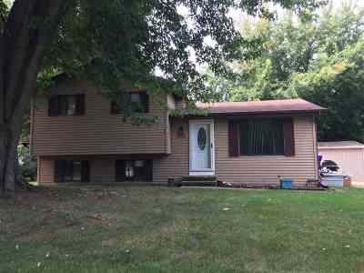 Winneconne Single Family Home For Sale: 220 N 7th