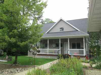 Shawano Single Family Home Active-Offer No Bump-Show: N7128 W Lake Crest