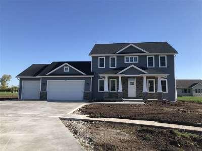 Oshkosh Single Family Home For Sale: 3950 Sandhill