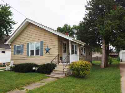 Neenah Single Family Home For Sale: 584 Chestnut