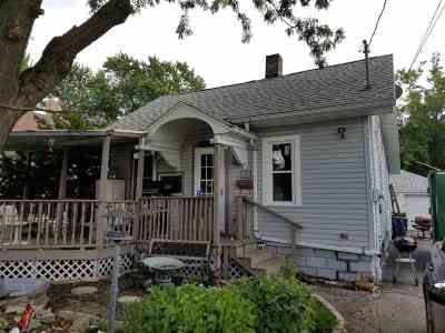 Menasha Single Family Home For Sale: 825 5th