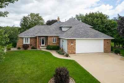 Oshkosh Single Family Home For Sale: 5130 Killdeer