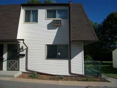 Neenah Condo/Townhouse For Sale: 837 Kay Kourt