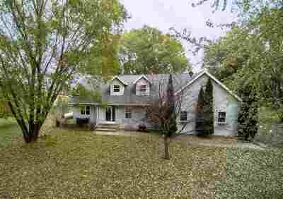 Oshkosh Single Family Home For Sale: 2816 Elo