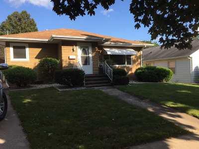 Kaukauna Single Family Home For Sale: 204 Jefferson
