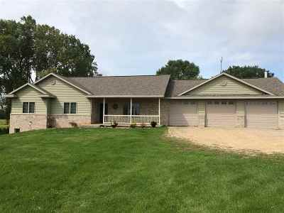 Black Creek Single Family Home For Sale: N8663 Old Hwy 47