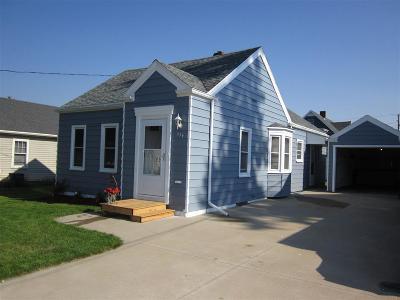 Kaukauna Single Family Home For Sale: 234 W Wisconsin