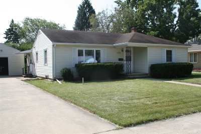 Neenah Single Family Home For Sale: 122 Meade