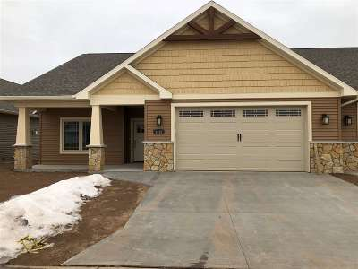 Neenah Condo/Townhouse For Sale: 1335 Prairie Lake