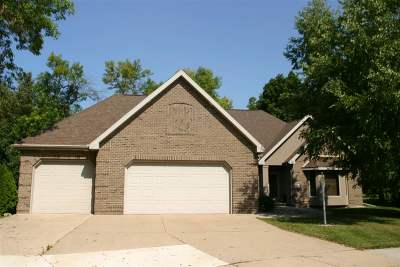 Oshkosh Single Family Home For Sale: 2540 Gaslight