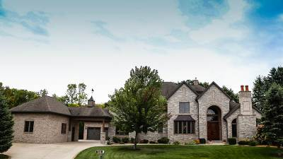 Neenah Single Family Home For Sale: 1548 Hidden Acres
