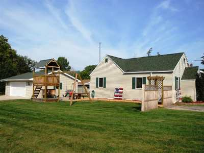 Kaukauna Single Family Home For Sale: 917 Boyd