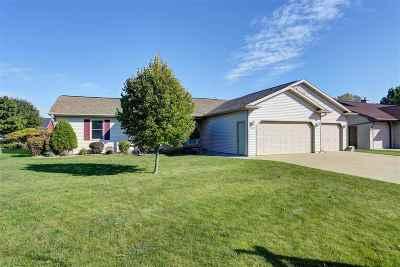 Appleton Single Family Home For Sale: 1638 W Rachel