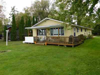 Shawano Single Family Home Active-No Offer: N6184 Cattau Beach