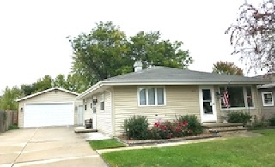 Neenah Single Family Home For Sale: 305 Brantwood