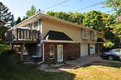 Little Chute WI Multi Family Home For Sale: $164,900