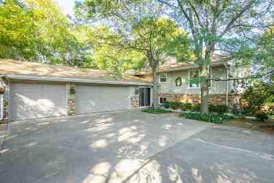 Oshkosh Single Family Home For Sale: 1830 Hickory
