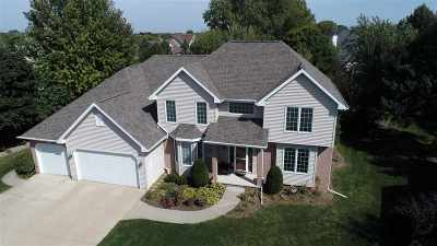 Appleton Single Family Home For Sale: 200 E Castlebury