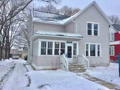 Menasha Single Family Home For Sale: 420 2nd