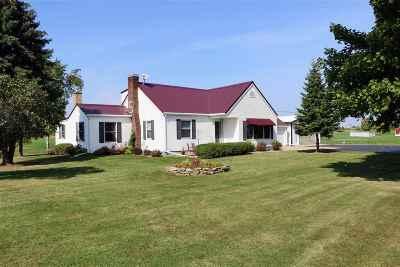 Kaukauna Single Family Home For Sale: W886 Hwy 96