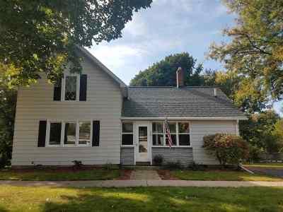 Kaukauna Single Family Home For Sale: 601 Foerster
