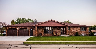 Kaukauna Single Family Home For Sale: 217 Frances