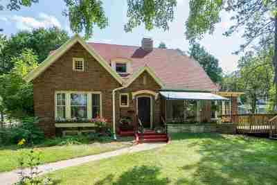 Appleton Single Family Home For Sale: 904 S Pierce