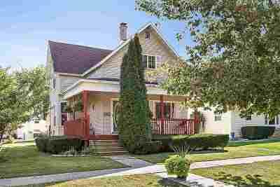 Kaukauna Single Family Home For Sale: 501 W 6th