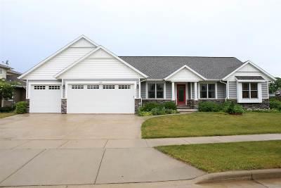 Oshkosh Single Family Home For Sale: 3260 Casey