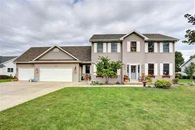 Neenah Single Family Home For Sale: 1630 Redwing