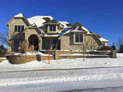 Appleton Single Family Home For Sale: 5638 N Rosemary