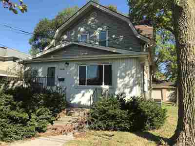 Menasha Single Family Home For Sale: 408 Broad