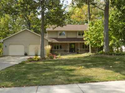 Kaukauna Single Family Home For Sale: 2113 Stafford