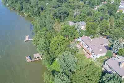 Appleton Single Family Home For Sale: 921 Cambridge