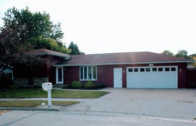 Kaukauna Single Family Home For Sale: 1007 Sheridan