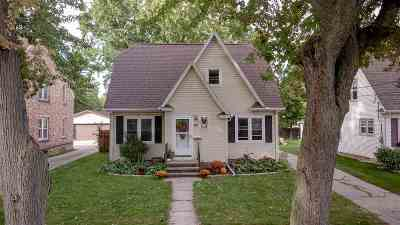 Single Family Home For Sale: 1220 W Lorain