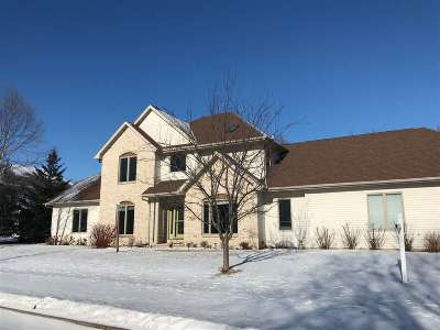 Appleton Single Family Home For Sale: 612 E Castlebury